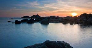 que ver en o grove paseo marítimo san vicente do mar pedras negras